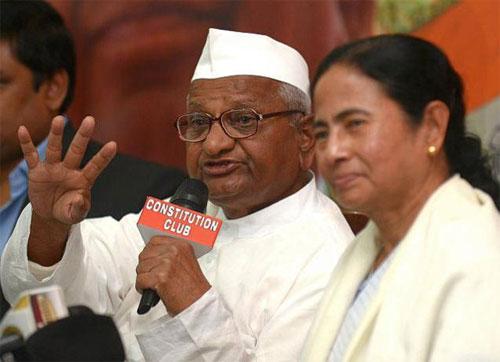 Anna Hazare with Mamta Banerjee